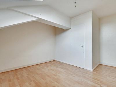 APPARTEMENT T4 A VENDRE - VILLEFRANCHE SUR SAONE - 135,08 m2 - 198000 €